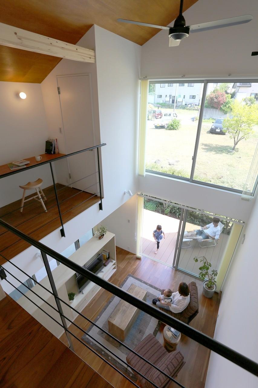 つながりの家 (2階ホールからの眺め)