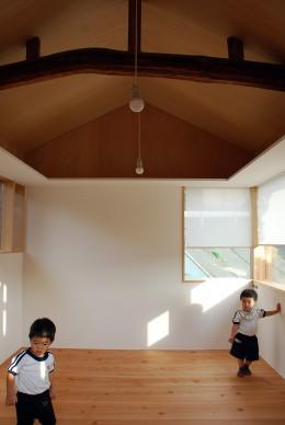 児島の小さなアトリエ (室内の様子)