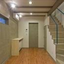 1階の居室(LDK)は階段と一体に