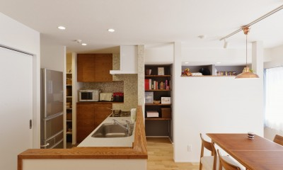 キッチン|動線プランが鍵 ~家事ラクを実現した水回りの動線が光るリノベーション~