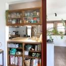 大好きな本牧を住処に(本牧 戸建てリノベーション)の写真 キッチンの対面側収納