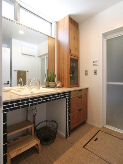 洗面室 (大好きな本牧を住処に(本牧 戸建てリノベーション))
