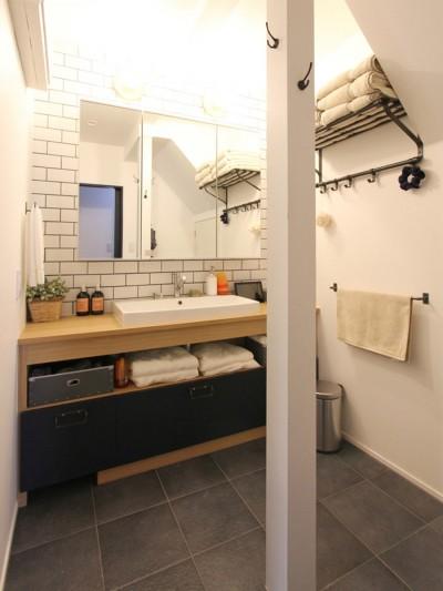 洗面室 (心地よさと楽しさのバランス(沼袋 戸建てリノベーション))