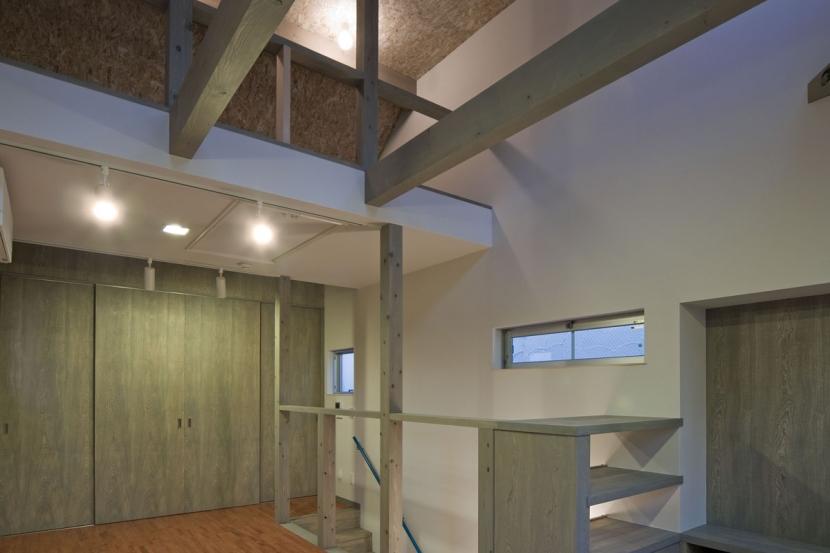 新宿区百人町の家(敷地12坪の家) (ロフトがある2階居室)