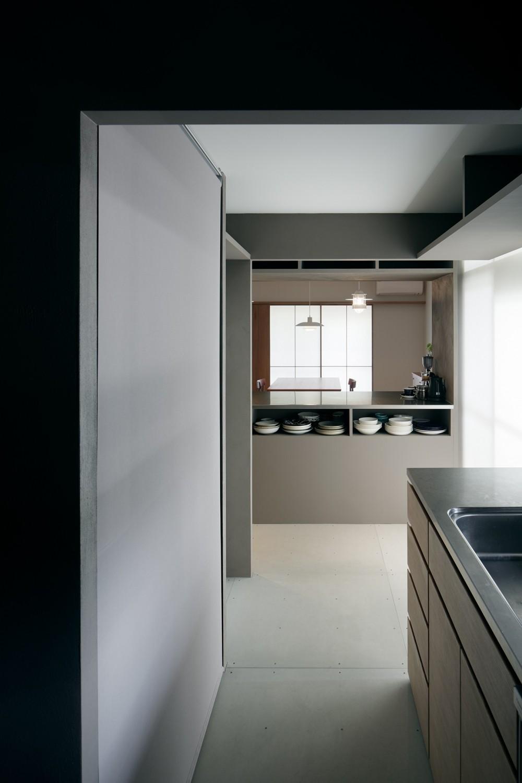 パラレル・プレイス (整然とした美しいキッチン)