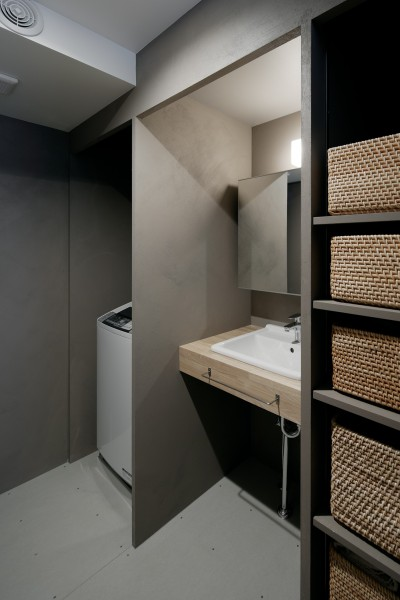 シンプルでコンパクトな洗面空間 (パラレル・プレイス)