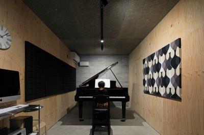 音楽室 (妻ヶ丘町の家~音楽室のある家~)