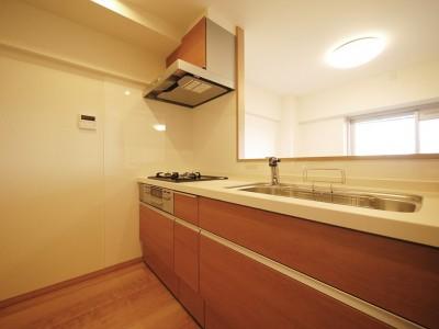 キッチン (昭和のお部屋を新築風に)