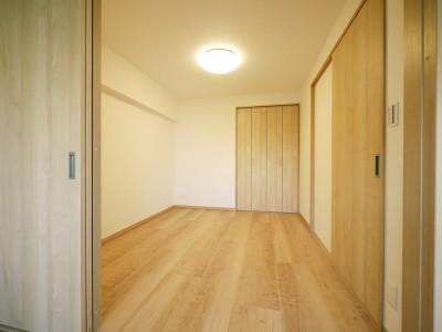 洋室 (昭和のお部屋を新築風に)