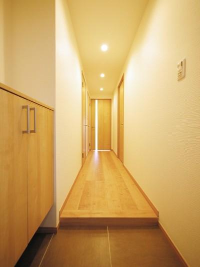 玄関・廊下 (昭和のお部屋を新築風に)