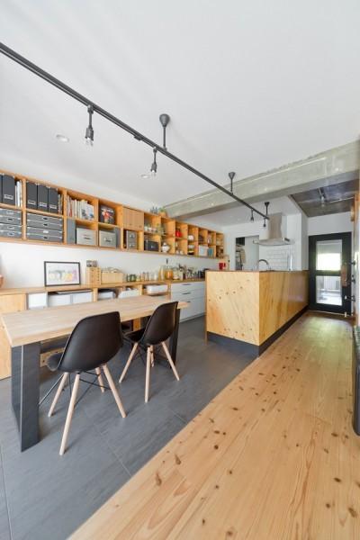 キッチン (スギに囲まれたスキな家)