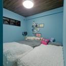 スギに囲まれたスキな家の写真 寝室