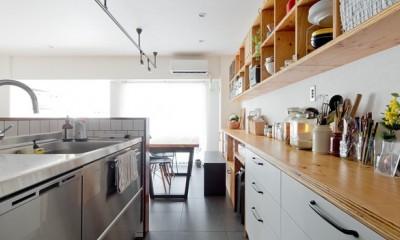 スギに囲まれたスキな家 (キッチン)