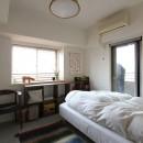 壁をつくらない 空間の仕切り方(鶴見区 I邸マンションリノベーション)の写真 べッドルーム