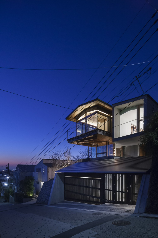acaa「東京の崖地に浮かぶ絶景の住処」