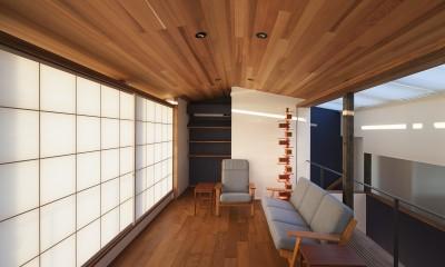 障子を閉じたリビング|東京の崖地に浮かぶ絶景の住処