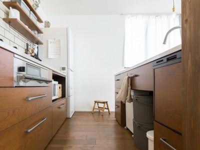 キッチン (Amber Drops - バルコニーと二階リビング)