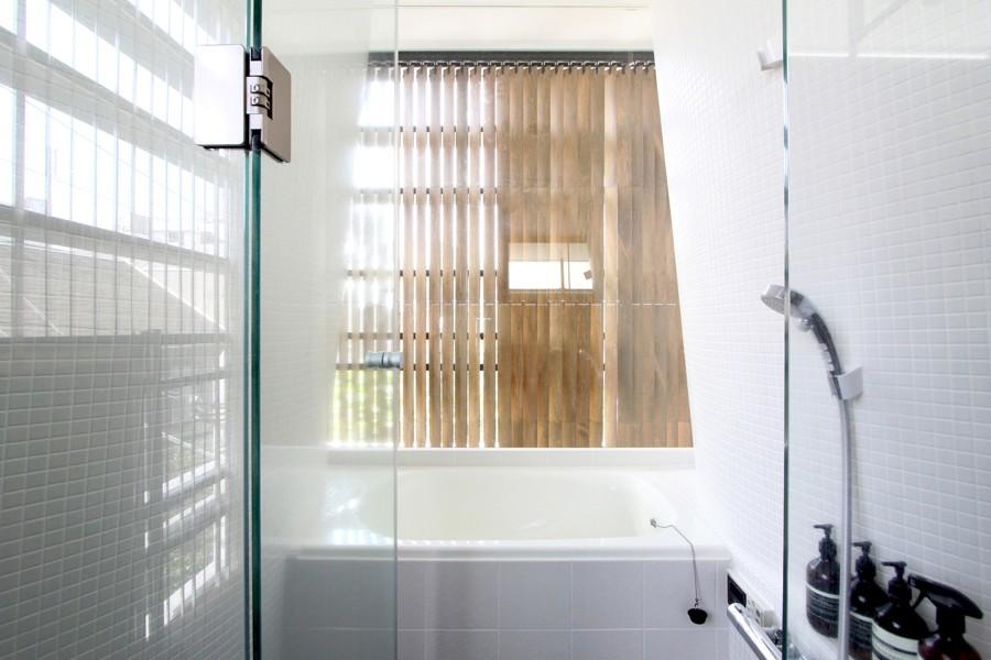 素材が変わる 家が変わる(渋谷 C邸戸建てリノベーション) (バスルーム)