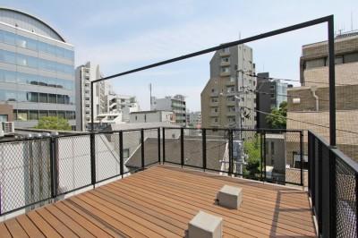 屋上 (素材が変わる 家が変わる(渋谷 C邸戸建てリノベーション))