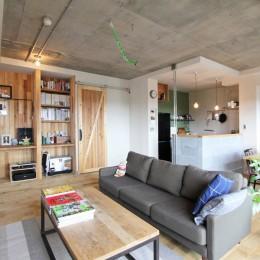 """""""DIY ROOM""""で家作りは続く(東大宮 K邸マンションリノベーション) (リビングダイニング)"""