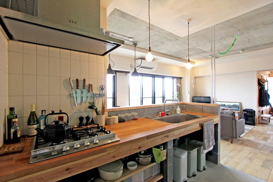 """DIY ROOM""で家作りは続く(東大宮 K邸マンションリノベーション) (キッチン)"