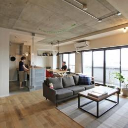 """DIY ROOM""で家作りは続く(東大宮 K邸マンションリノベーション) (LDK)"