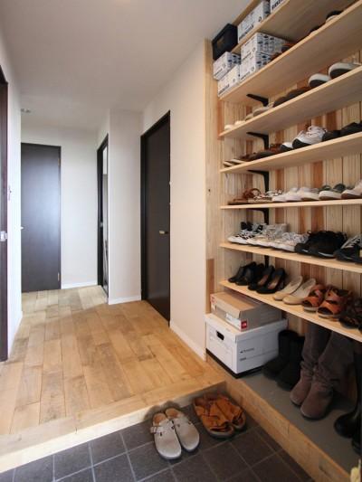 """玄関・廊下 (""""DIY ROOM""""で家作りは続く(東大宮 K邸マンションリノベーション))"""