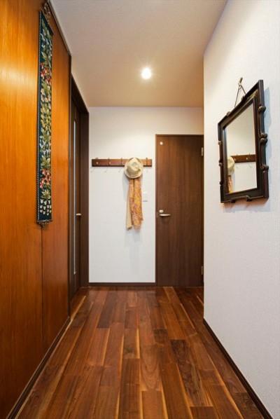 廊下 (友人との演奏を楽しめる家に「まるごと再生」)