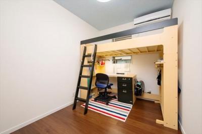 子供部屋 (程よい距離感で、家族がつながる。安心の二世帯住宅へ「まるごと再生」)