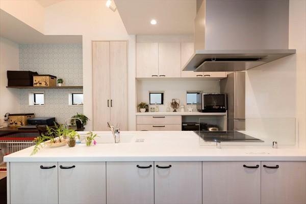 「毎日の掃除が楽しい!」スッキリ片付く家に『まるごと再生』 (キッチン)