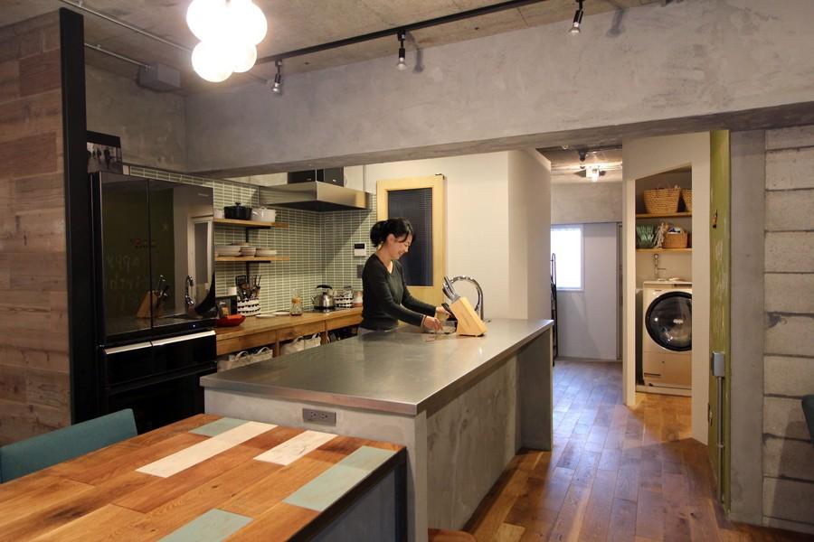 ダイニングキッチン (趣味を楽しむ小部屋を作らないリノベーション(湯島 S邸マンションリノベーション))