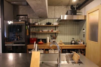 キッチン (趣味を楽しむ小部屋を作らないリノベーション(湯島 S邸マンションリノベーション))