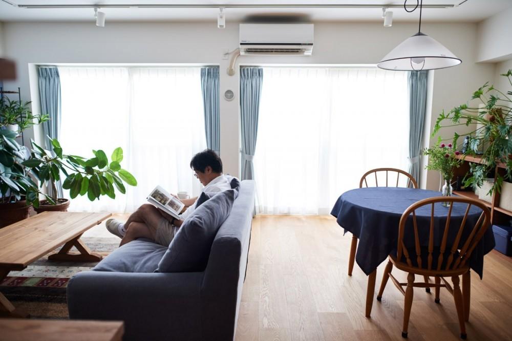 リビングダイニング (直感と趣味を大切にした家作りは、一人暮らしならではの醍醐味。)