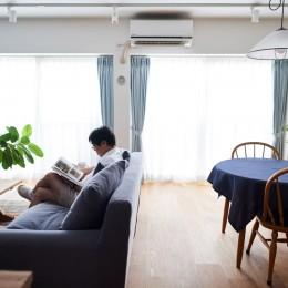 直感と趣味を大切にした家作りは、一人暮らしならではの醍醐味。 (リビングダイニング)