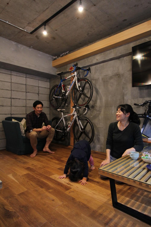 趣味を楽しむ小部屋を作らないリノベーション(湯島 S邸マンションリノベーション) (リビング)