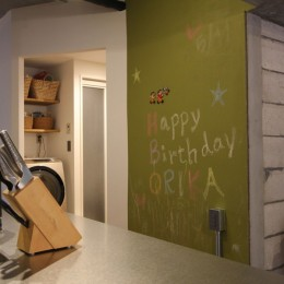 趣味を楽しむ小部屋を作らないリノベーション(湯島 S邸マンションリノベーション) (リビングダイニング)