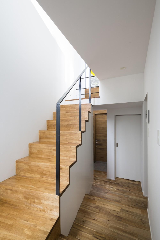 仙川の家~周辺環境を活かした住宅~ (階段)