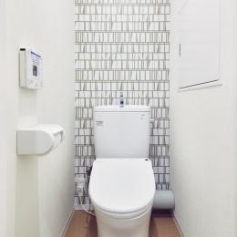 家族の気配が感じられる、塩系ナチュラルインテリア (トイレ)