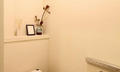 難アリ間取りを利点に逆転(鷺沼M邸 マンションリノベーション) (トイレ)