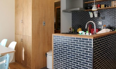 実家のそばに引っ越ししました(東戸塚 戸建てリノベーション) (キッチン)