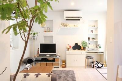 リビング(1階) (猫と暮らす、二世帯住宅(成城学園前 戸建てリノベーション))