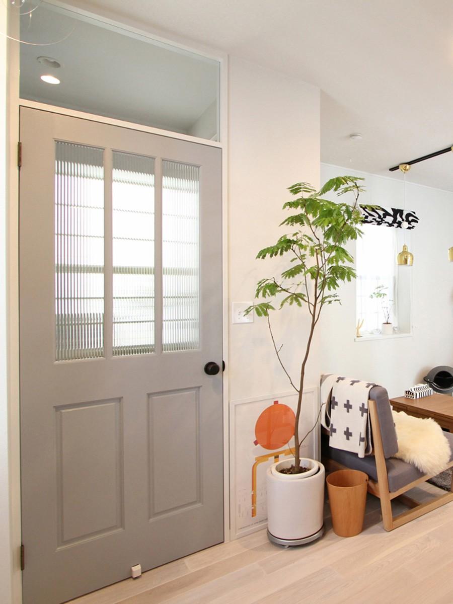 猫と暮らす、二世帯住宅(成城学園前 戸建てリノベーション) (リビング(1階))