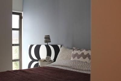 ベッドルーム(1階) (猫と暮らす、二世帯住宅(成城学園前 戸建てリノベーション))
