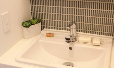 洗面室(1階)|猫と暮らす、二世帯住宅(成城学園前 戸建てリノベーション)