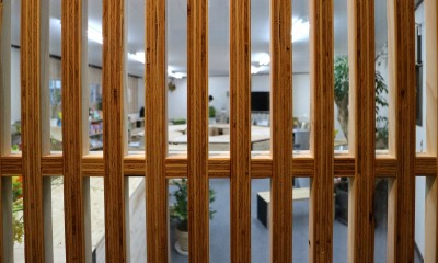 OFFICE WOLISU~16名で囲む大テーブル~ (格子戸)