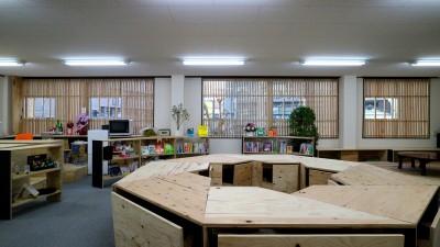 WINDOW (OFFICE WOLISU~16名で囲む大テーブル~)