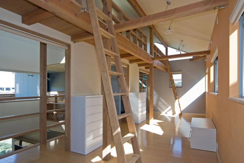 音楽室のある家/土手の見えるハッピーファミリーハウス (3人用子供室は徐々に手を加えて個室にしていきます.ロフト付き)