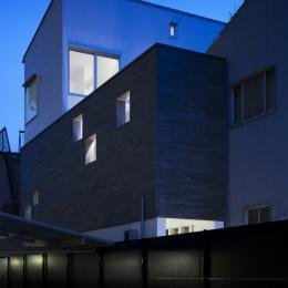 桑津の家 (外観夜景)