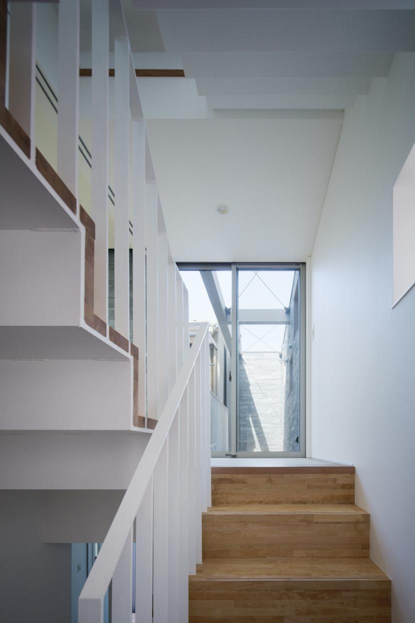 桑津の家の部屋 階段