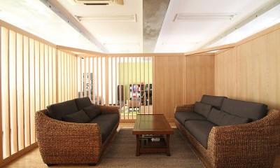 打合せルーム|仕事が楽しくなる、木と黒板のオフィス
